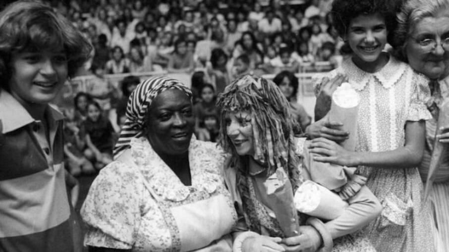 A personagem Tia Anastácia (Jacira Sampaio), de Sítio do Pica-Pau Amarelo, tinha o papel de cuidadora da casa e características comuns ao estereótipo, calcadas no período da escravidão no Brasil