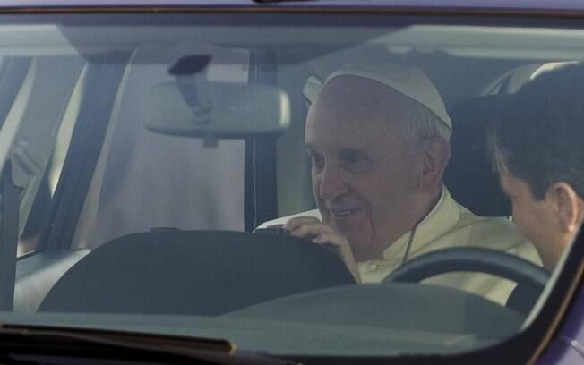O primeiro papa jesuíta latino-americano cumpre a viagem mais longa desde que foi eleito, em março de 2013. Foto: AP Photo/Riccardo De Luca