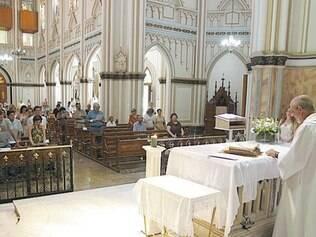 Basílica de Lourdes promove festa para homenagear santa há 91 anos
