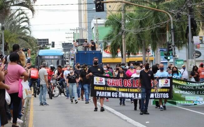 Manifestação contra a fase vermelha fecha ruas do Centro de Campinas