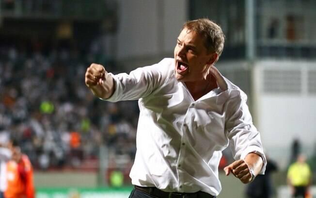 Diego Aguirre deu adeus ao São Paulo depois do empate com o Corinthians