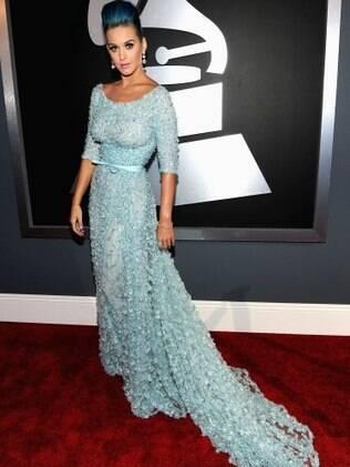 Katy Perry: de azul dos pés a cabeça. Ela concorre a duas categorias.