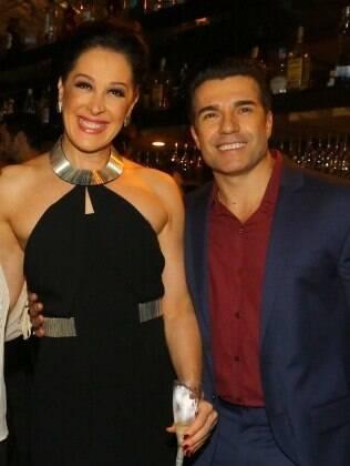 Claudia Raia recebe amigos e famosos em estreia de 'Crazy For You', no Rio de Janeiro