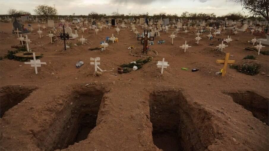 Brasil registra mais mortes por Covid-19 nesta terça-feira do que soma de 9 países com mais registros