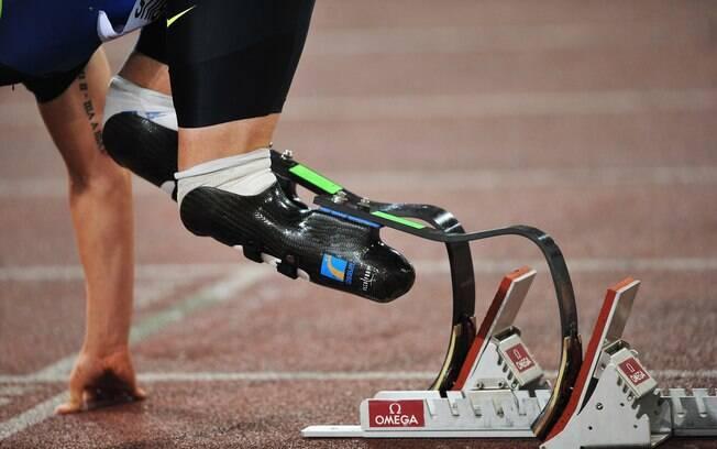 Detalhe das próteses utilizadas por Oscar  Pistorius. O maior problema que ele enfrenta é na  largada, para manter o equilíbrio