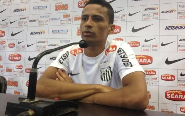 Outra novidade do Santos para 2013 que veio  de clube rival é Cícero, meia que veio do São  Paulo