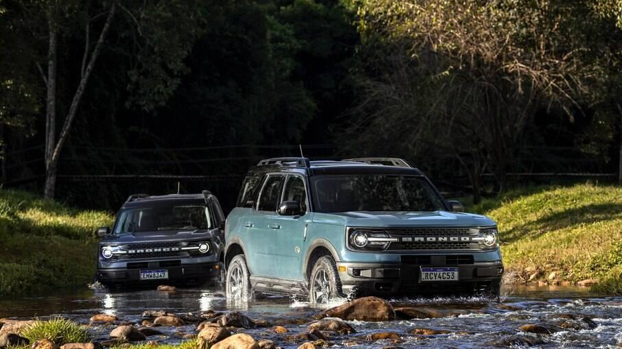O SUV da Ford consegue atravessar trechos alagados e riachos com facilidade pelo o que constatamos