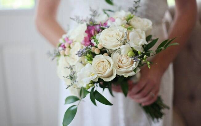 A pandemia levou muitos casais a adiar o sonho do casamento; porém, com flexibilidade e criatividade é possível reorganizar a festa