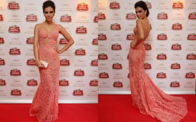 Mariana Rios escolheu um modelo de renda para pisar no tapete vermelho de Cannes