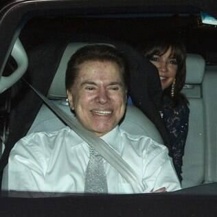 Silvio Santos e Iris Abravanel na chegada ao casamento
