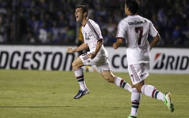 Wagner comemora gol de empate do Fluminense  no Equador