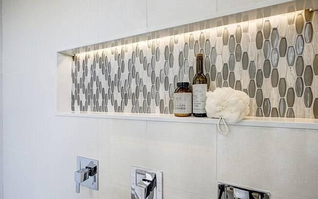Nichos embutidos no banheiro: use a decorao para ajudar a organizar