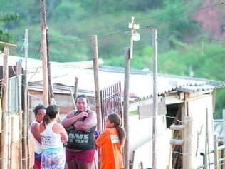 Vigília. Moradores das ocupações Rosa Leão, Esperança e Vitória mantêm mobilização contra despejo