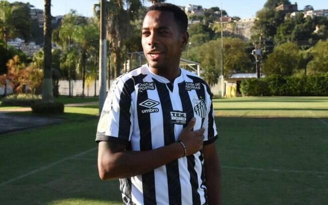 Contrato do atacante Robinho com o Santos termina neste domingo