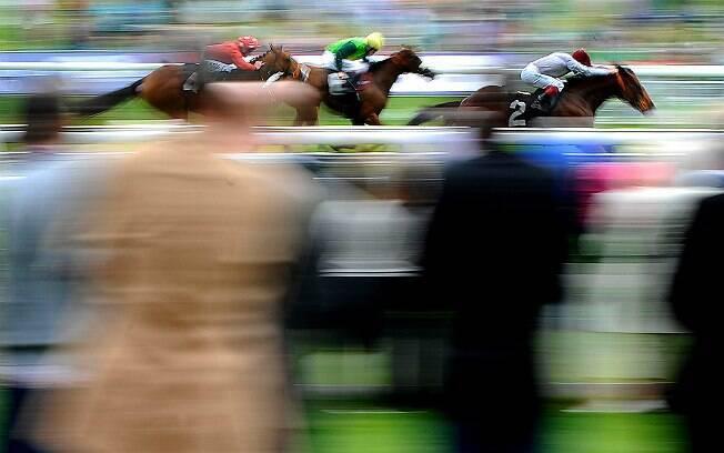 Pesquisadores analisaram mais de 500 mil apostas em esportes, como turfe