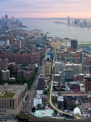 O trajeto do High Line, em Nova York, estende-se por 32 quadras