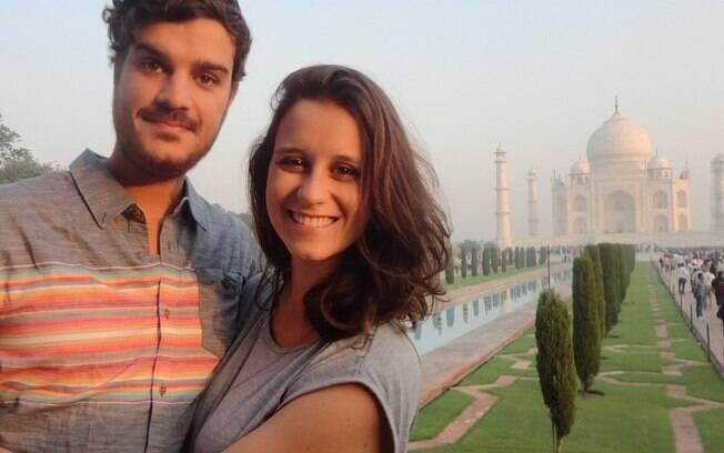 O casal começou as viagens em 2014 e desde então desbravam o mundo