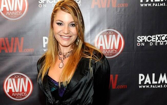 Aurora Snow, ex-atriz da indústria adulta, fala da participação de colegas em