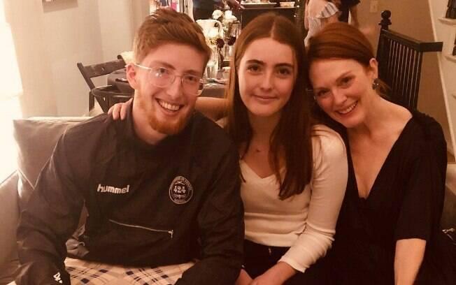 Juliane Moore e seus filhos
