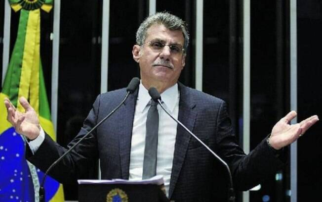 Líder do governo no Senado, Romero Jucá deixou ministério de Temer após ser acusado de tentar barrar a Lava Jato