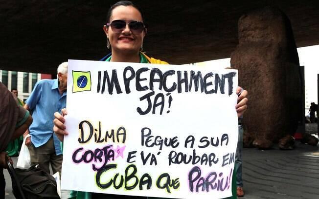 Muitos manifestantes carregaram cartazes para a manifestação paulistana. Foto: Vilmar Bannach/Futura Press