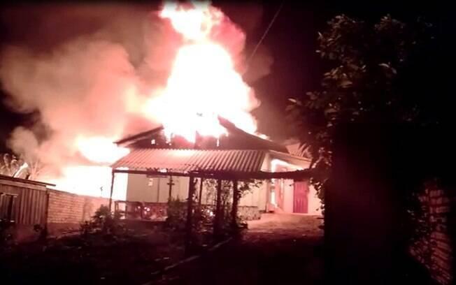 Crianças conseguiram escapar de incêndio em casa pela janela, em Guatambu