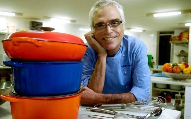 O ator e chef Rodolfo Bottino morreu aos 52 anos neste domingo (11)