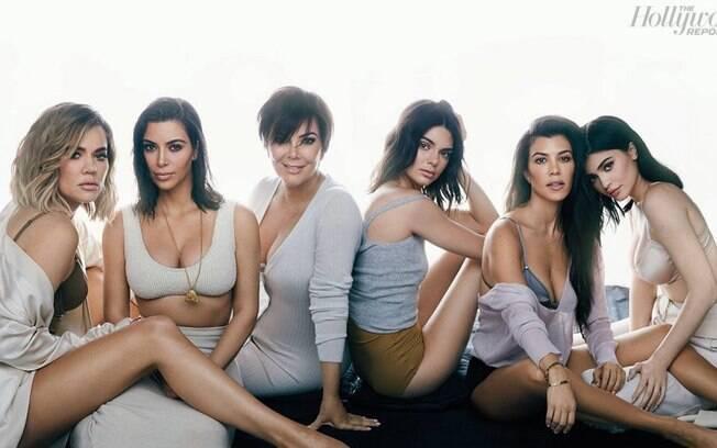 As melhores fotos de famosos de 2017: famílias Kardashian e Jenner se juntam em ensaio para o ''Hollywood Reporter''. Foto: reprodução/Hollywood Reporter
