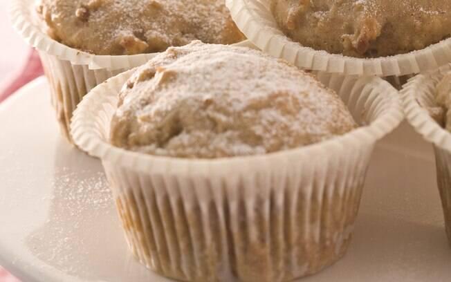 Foto da receita Muffins de maçã com açúcar mascavo, canela e noz-moscada pronta.