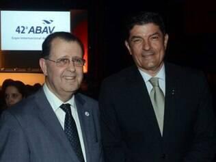 Antonio Azevedo, presidente da Abav Nacional, e Vinicius Lage, ministro do Turismo