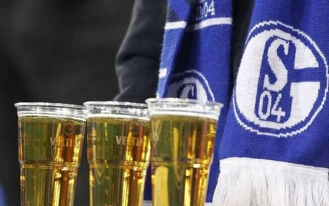 Sem jogos, estoque de cerveja do clube ficou parado e teve que ser devolvido