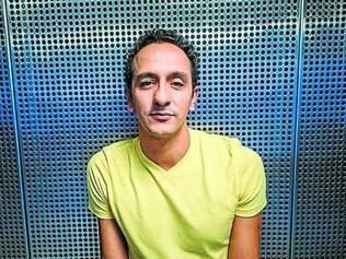 Protagonista. Irandhir Santos é um dos protagonistas do longa, ao lado de Júlio Andrade e da atriz Lola Peploe