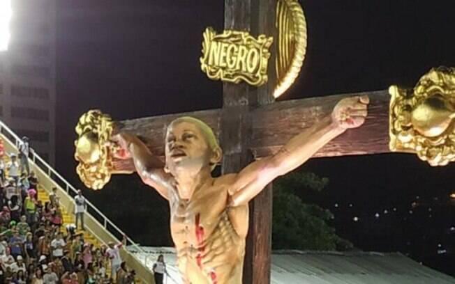 Jesus negro crucificado