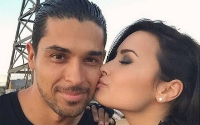 Segundo a revista People, Demi Lovato está se recuperando ao lado da família e com o apoio do ex-namorado, o ator Wilmer Valderrama