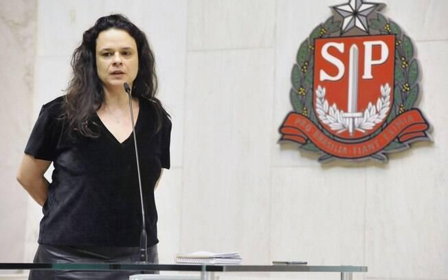 Irritada com postura de Bolsonaro, Janaina Paschoal ameaçou deixar bancada do PSL