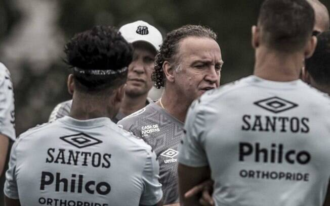 Santos realiza último treino antes da volta da Libertadores