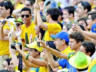 Acesso deficiente. Segundo o ministro das Comunicações, a dificuldade de fechar parceria com as operadoras prejudicará a rede de internet nos estádios da Copa