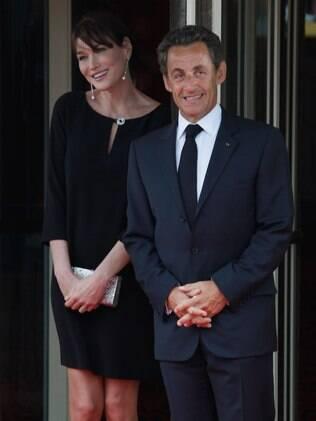 Carla Bruni chama Sarkozy de Chouchou -- ou 'repolhinho'