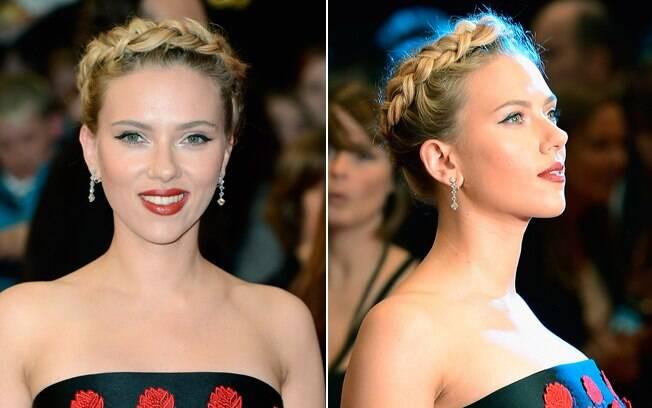 Scarlett Johansson foi ao tapete vermelho com uma coroa feita de tranças