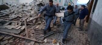 Número de mortos após terremoto na Itália chega a 159; feridos passam de 300