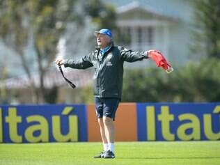 Luiz Felipe Scolari chamou a atenção de seus comandados contra os contra-ataques do adversário