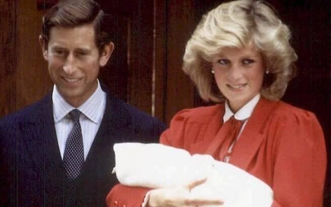 Harry nasceu em 15 de setembro de 1984. Mantendo a tradição, Diana deu à luz no St. Mary's
