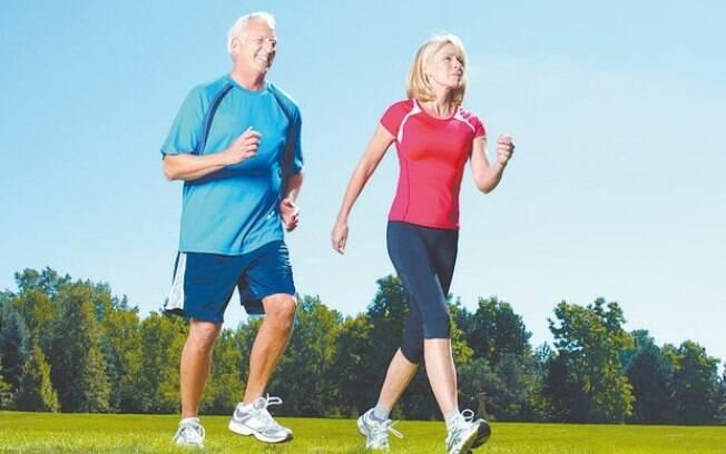 Fazer exercícios em duplas é uma prática cada vez mais popular