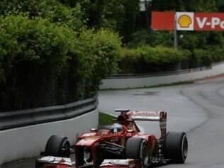 Fernando Alonso ficou com o melhor tempo anotando 1min14s818