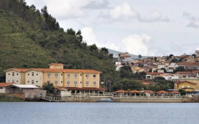 PF investiga casas em Escarpas