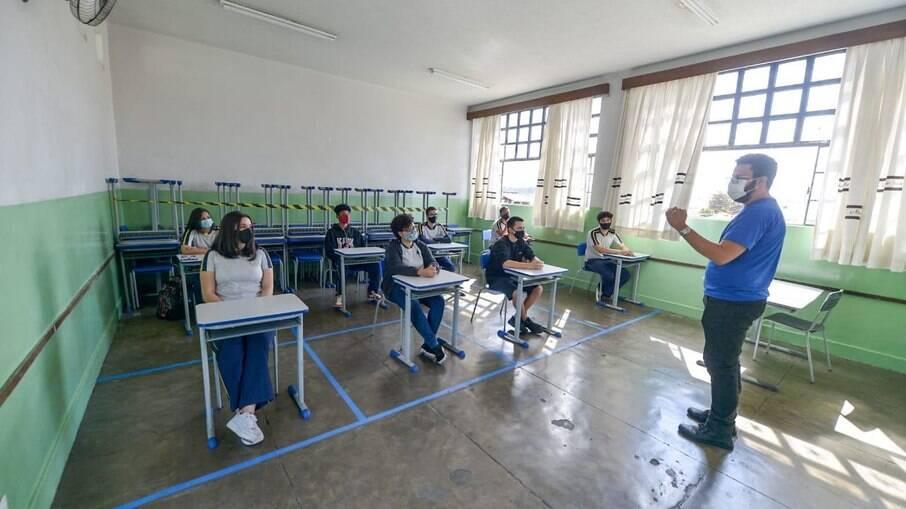 Comitê Especial recomenda retorno pleno das aulas presenciais no Rio de Janeiro
