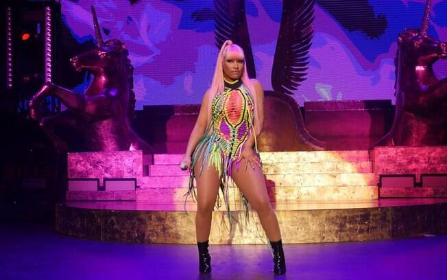 Nicki Minaj se assumiu bissexual, mas logo desmentiu