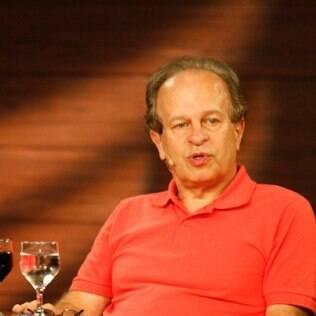 Renato Janine Ribeiro em palestra na Livraria Cultura