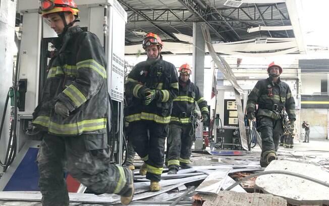 Explosão em posto de gasolina deixou quatro feridos e causou danos a 18 imóveis na zona norte de SP