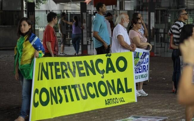 Manifestação concentrada no Vão Livre do Masp, nesta segunda-feira: movimento esvaziado
